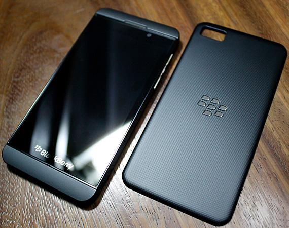RIM-BlackBerry-10-Phone-00