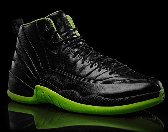 air-jordan-xii-1997-xx8-days-of-flight-collection-black-neon-green-01