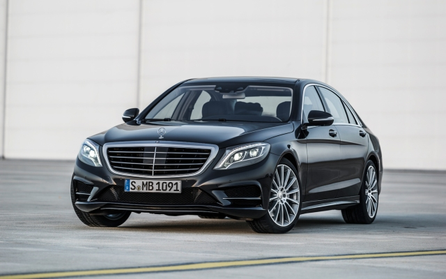 2014-Mercedes-Benz-S-Class-front-three-quarters