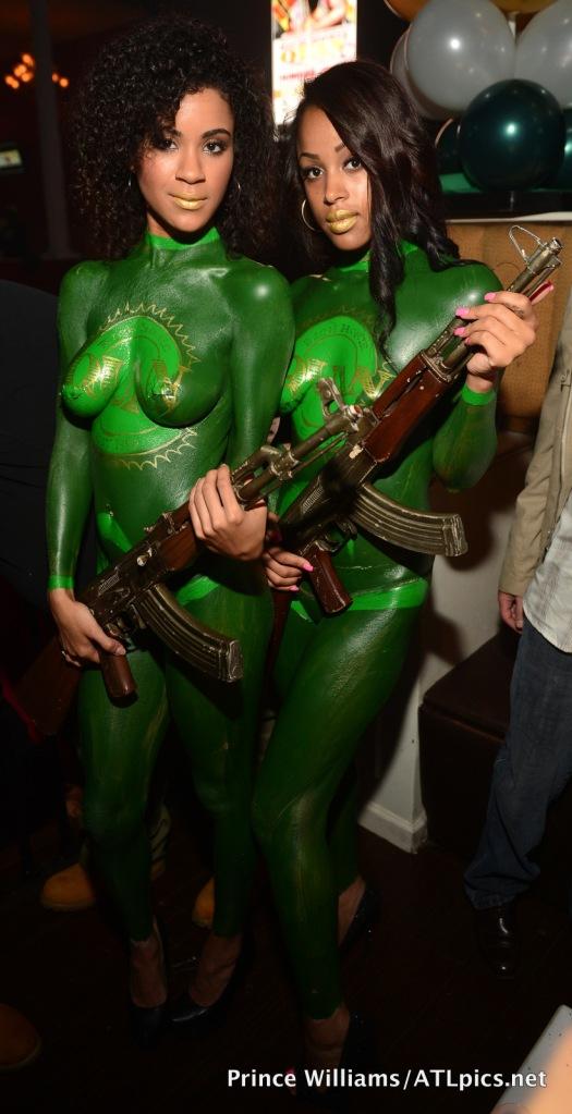 TIG girls with Machine Gun